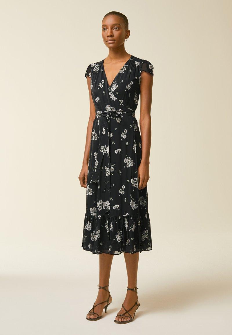 IVY & OAK - WRAP  - Denní šaty - aop/fine flower black