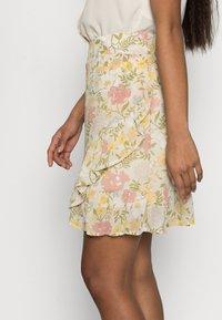 VILA PETITE - VISELENE WRAP SKIRT - A-line skirt - birch - 3