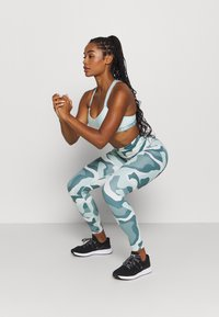 Under Armour - RUSH CAMO LEGGING - Leggings - seaglass blue - 1