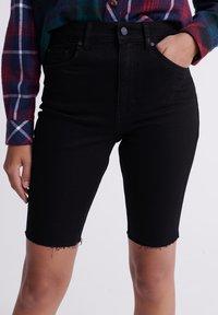 Superdry - KARI - Shorts di jeans - denim black rinse - 3