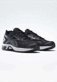 Reebok - QUICK CHASE - Zapatillas de running neutras - black - 2