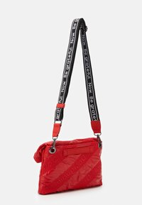 Desigual - BOLS TAIPEI MIAMI - Across body bag - rojo fresa - 1