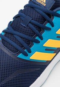 adidas Performance - RUNFALCON - Zapatillas de running neutras - tech indigo/solar gold/signal cyan - 5