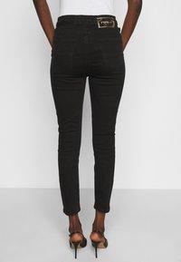 Pinko - SUSAN TROUSERS - Jeans Skinny Fit - black - 2