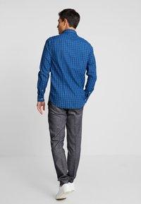 Tommy Hilfiger - SLIM FIT INDIGO TONAL CHECK - Shirt - blue - 2
