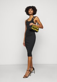Versace Jeans Couture - DRESS - Sukienka dzianinowa - black - 1