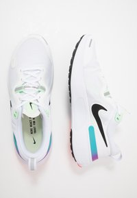 Nike Performance - REACT MILER - Hardloopschoenen neutraal - white/black/vapor green/hyper jade - 1