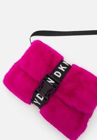 DKNY - SHOULDER BAG - Across body bag - fuschia - 3