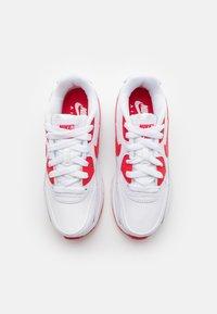 Nike Sportswear - AIR MAX 90 - Sneakersy niskie - white/hyper red/black - 3