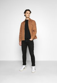 Levi's® - HAIGHT HARRINGTON JACKET - Summer jacket - toasted coconut - 1