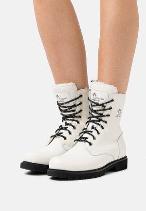 FRISIA  - Winter boots - white
