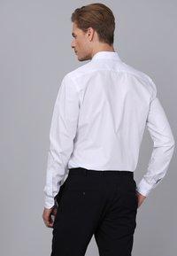Basics and More - Camicia elegante - white - 1