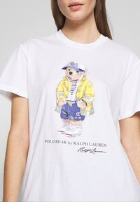 Polo Ralph Lauren - COAT BEAR SLEEVE - Print T-shirt - white - 5