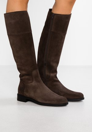 Vysoká obuv - moka