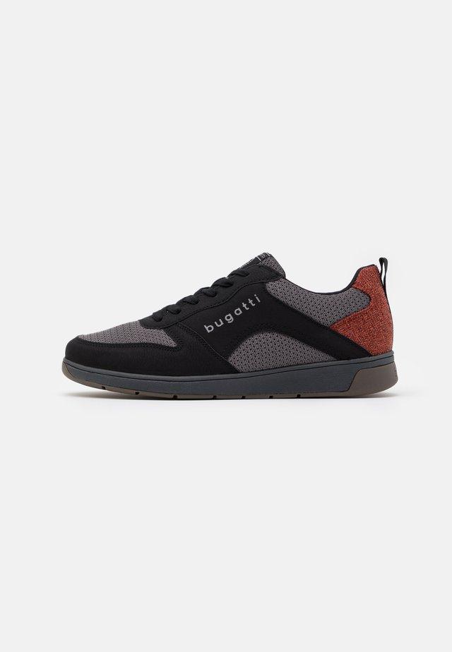 ARRIBA - Sneakers laag - black