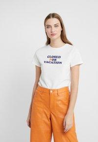 CLOSED - Print T-shirt - ivory - 0