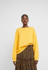 American Vintage - KINOUBA - Sweatshirts - marmelade - 0