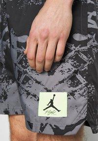 Jordan - POOLSIDE - Shorts - black - 4