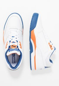 Puma - PALACE GUARD - Matalavartiset tennarit - white/jaffa orange/galaxy blue - 1