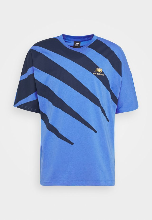 ATHLETICS PRONG TEE - T-shirt med print - fadedcob