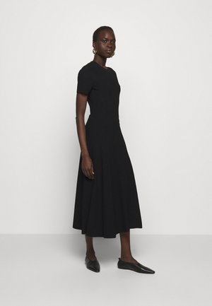 CUT OUT BACK KNIT DRESS - Pletené šaty - black