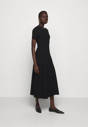 CUT OUT BACK KNIT DRESS - Robe pull - black