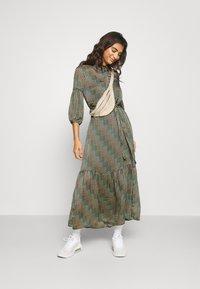 Vero Moda - VMBERTA ANKLE DRESS  - Vestito lungo - fir green - 1