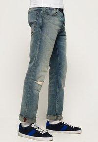 Superdry - DAMAN - Straight leg jeans - grey - 3