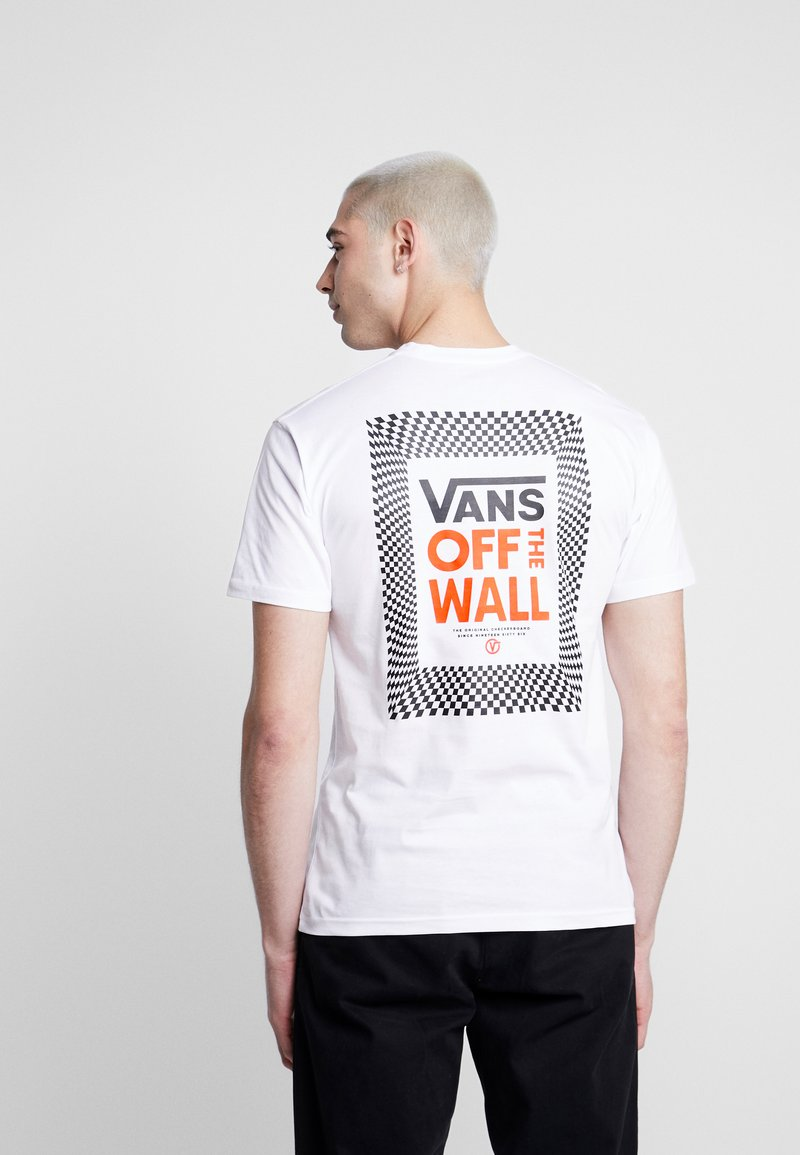 Vans - CHECKERBOARD ROOM - Print T-shirt - white
