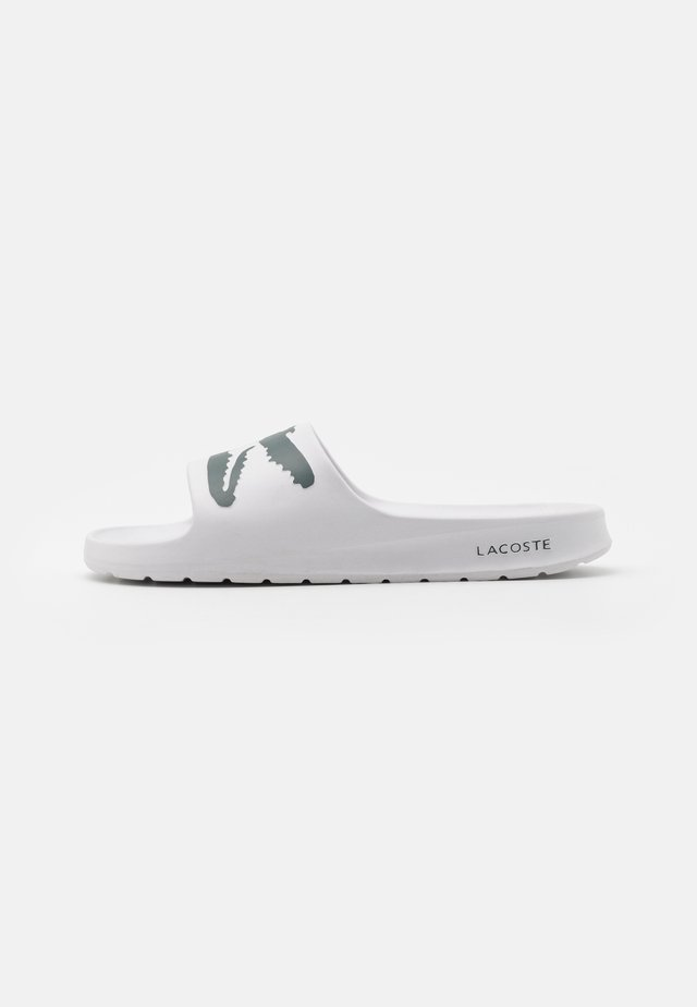 CROCO - Pool slides - white/dark green
