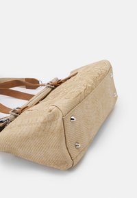 Desigual - BOLS SUMMER AQUILES LOVERTY - Handbag - beige - 3