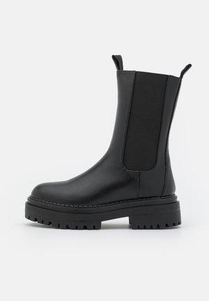 CHERISH - Platåstøvler - black
