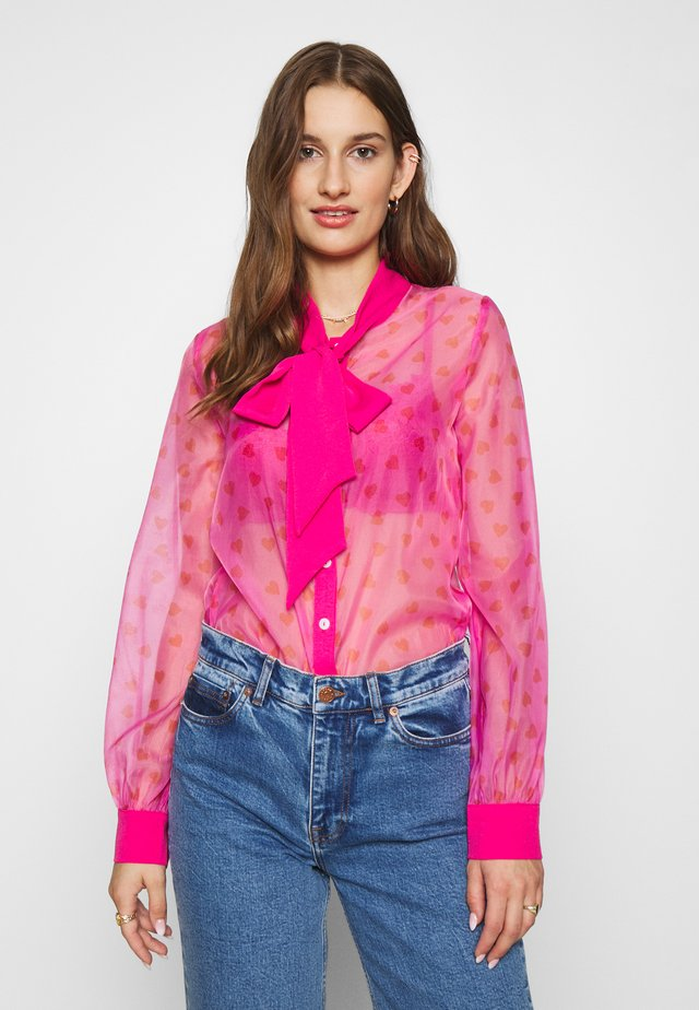 HEARTS PRINT TIE NECK BLOUSE - Button-down blouse - pink