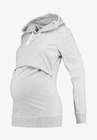 Zalando Essentials Maternity - Hættetrøjer - light grey melange - 4
