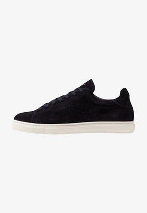 SLHDAVID PERFORATED TRAINER - Sneakers - dark navy