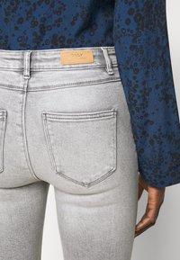 ONLY Tall - ONLMILA ANK - Jeans Skinny Fit - light grey denim - 4