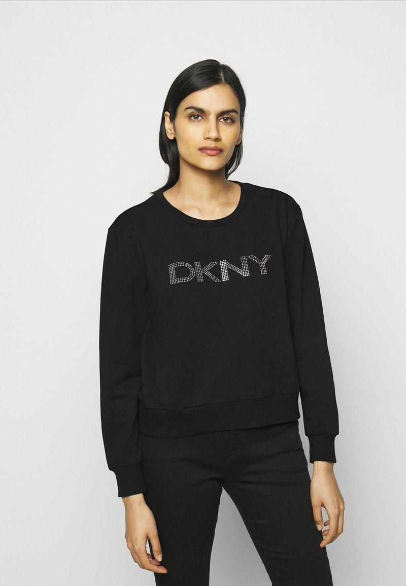 DKNY - DIAMANTE CROPPED LOGO - Sweatshirt - black