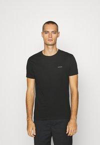 Calvin Klein Jeans - TEE 3 PACK  - T-shirt basic - black/ grey / bright white - 5