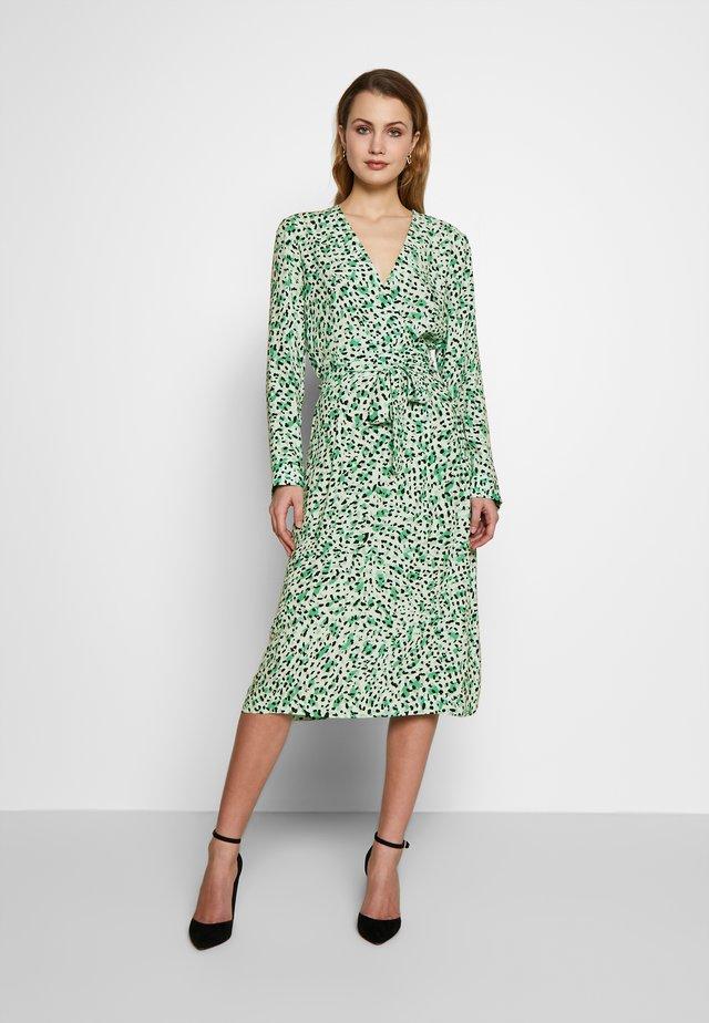 CADI DRESS - Denní šaty - green