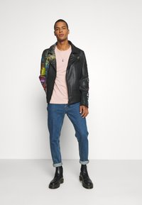 Carlo Colucci - JACKET WITH PRINT PERFECTO - Leather jacket - black - 1