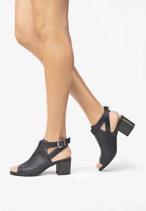 Ankle cuff sandals - blu
