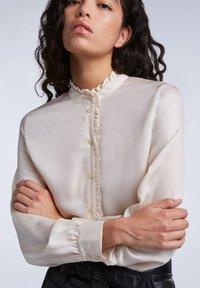 SET - FEMININE - Button-down blouse - whitecap gray - 3