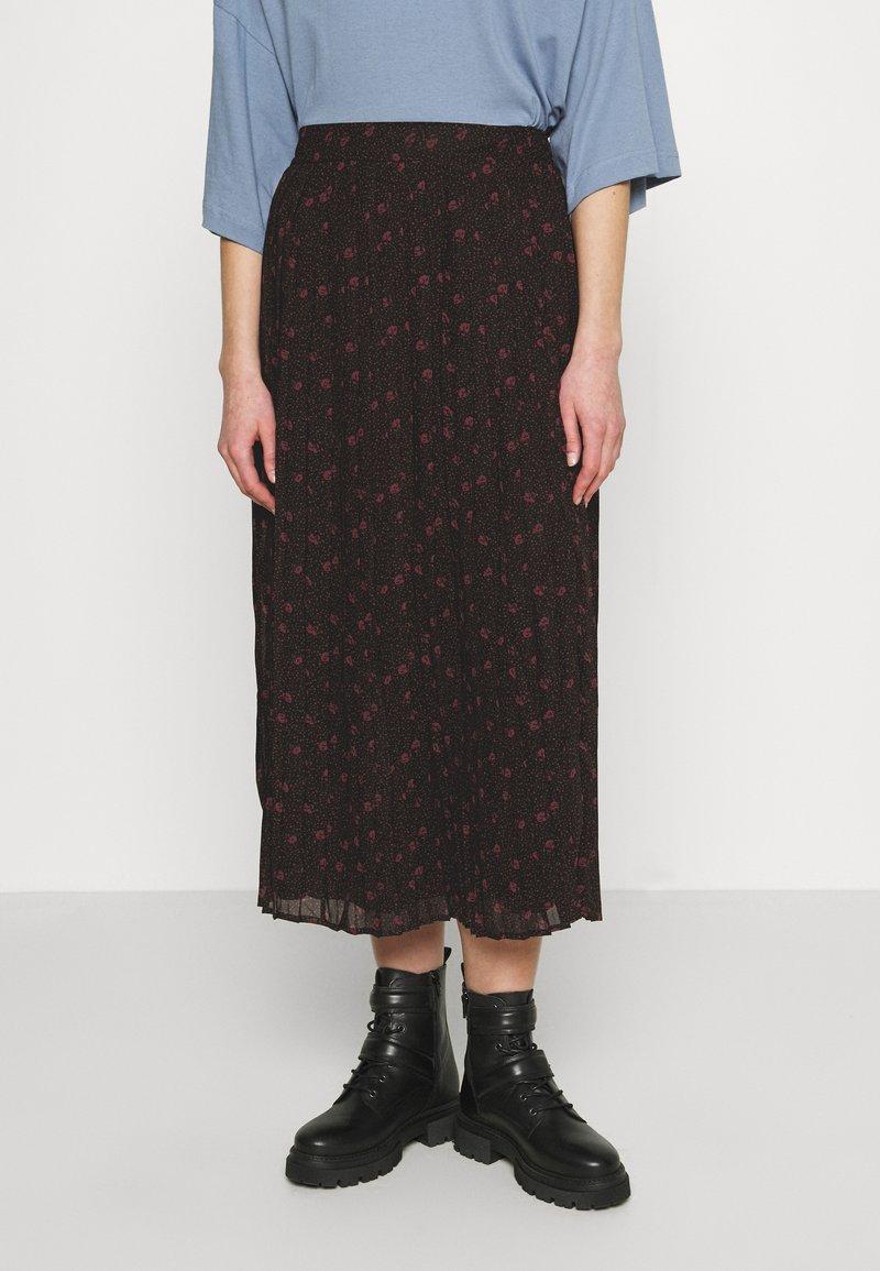 Vila - VIPLISSEAMESY MIDI SKIRT - Maxi skirt - black