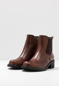 Gabor Comfort - Kotníkové boty - whisky - 4