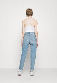 New Look - WAIST ENHANCE MOM BRENDEN - Relaxed fit jeans - light blue - 2