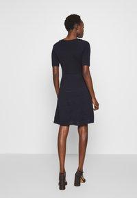 M Missoni - DRESS - Strikket kjole - dark blue - 2