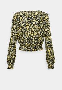 ONLY - ONLPELLA WRAP SHORT - Pitkähihainen paita - black/mimosa - 6