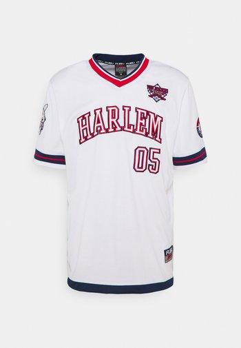 ATHLETICS HARLEM - Print T-shirt - white