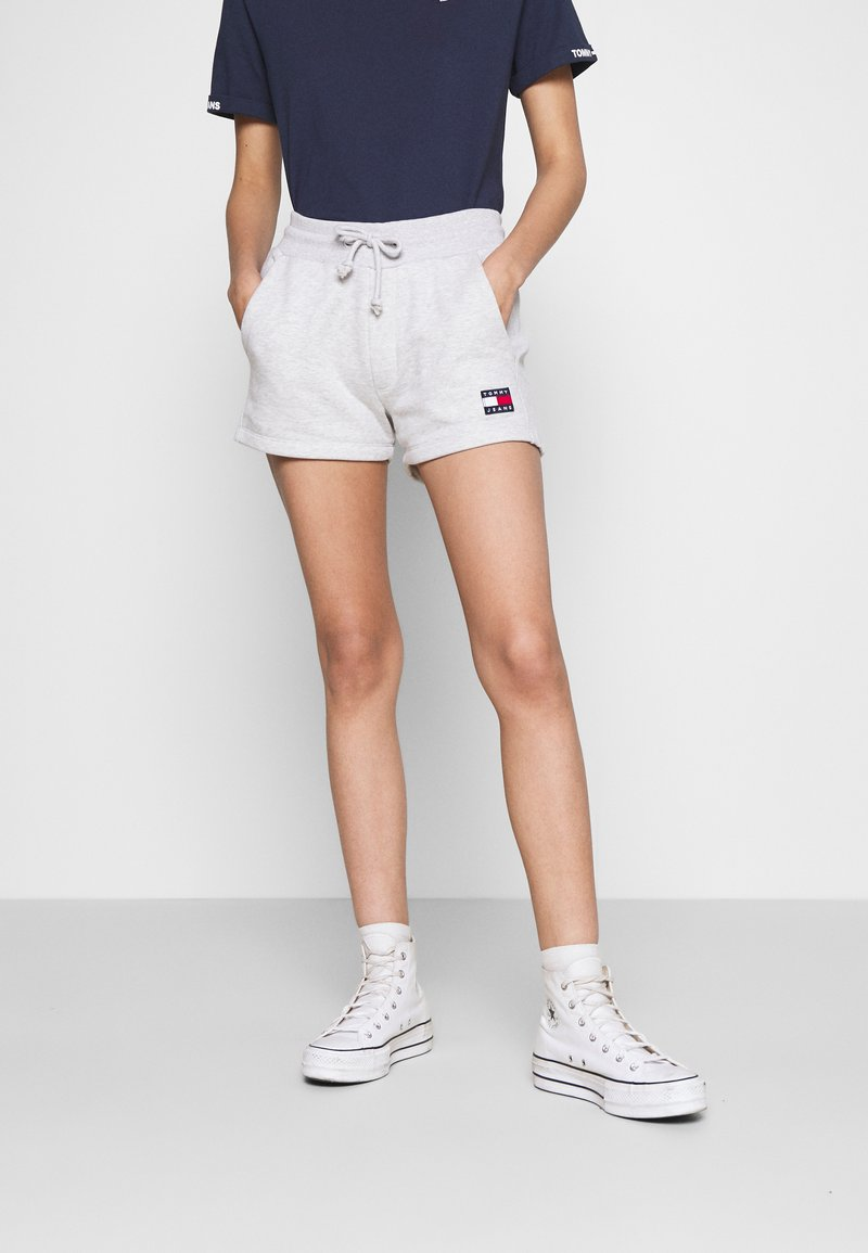 Tommy Jeans - BADGE - Short - silver grey heather