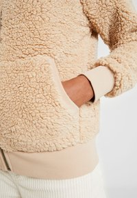 ONLY - ONYCAROLINE - Fleece jacket - beige - 6